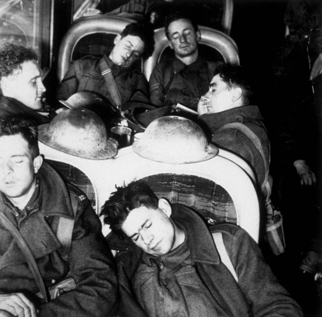 1940:  Troops aboard a train, having returned from Dunkirk as part of the British Expeditionary Force.  (Photo by Keystone/Getty Images)