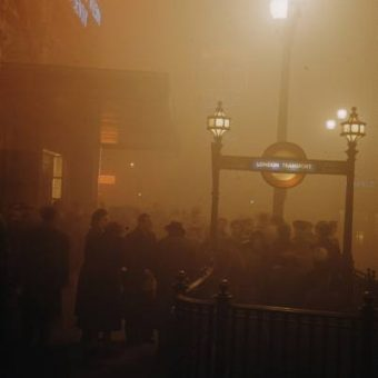 On This Day In Photos: December 5 1952 – Smog Kills Thousands In London