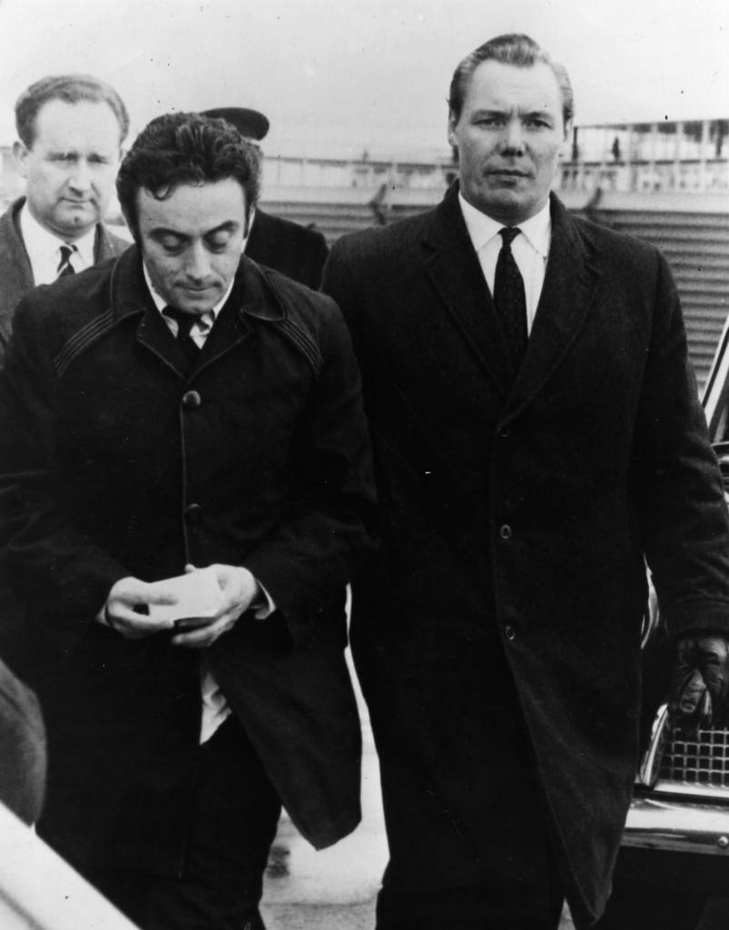 15th April 1963:  The US satirical comedian comedian Lenny Bruce, (1925 - 1966), born Leonard Alfred Schneider, is deported from Britain for a second time.  (Photo by Keystone/Getty Images)
