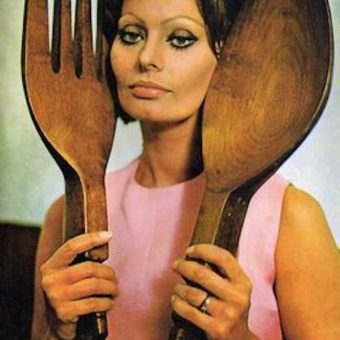 1971: Sophia Loren says Eat With Me (and my giant wooden cutlery ears)
