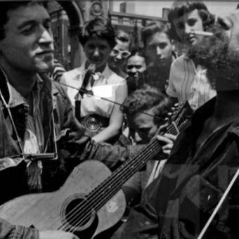 Woody Guthrie plays New York City's Washington Square Park (1954 Photos)