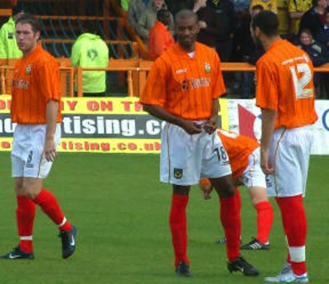 2a5c3f50d Then in 2005 they arrived at Underhill with only their black away kit –  which clashed ...