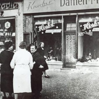 On This Day In Photos: November 9 And 10 1938 Was Kristallnacht