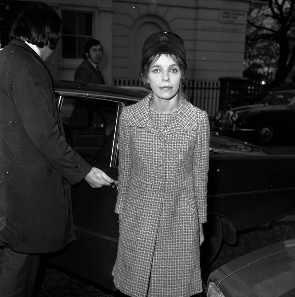 15th November 1974: Veronica Lucan, the Dowager Countess of Lucan, wife of the missing Earl, Lord Lucan who disappeared following the murder of their nanny. She is returning to her home in Lower Belgrave Street, London after a High Court appearance to discuss the future of her 3 children. (Photo by Frank Barratt/Keystone/Getty Images)