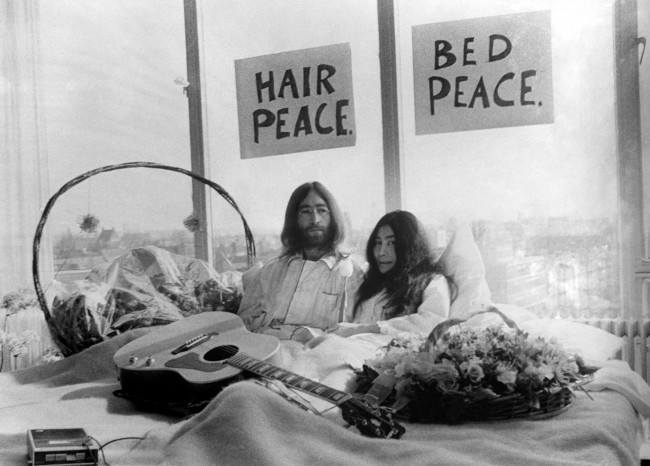John Lennon And Yoko Ono Bed In On This Day In Photos:...