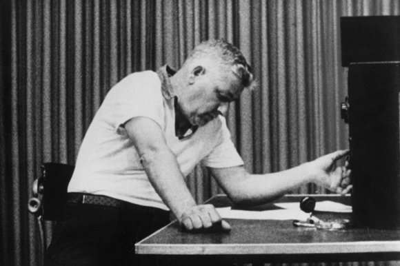 stanley milgrams obedience study Display your understanding of stanley milgram and his obedience experiment with the following interactive quiz and printable worksheet use the.