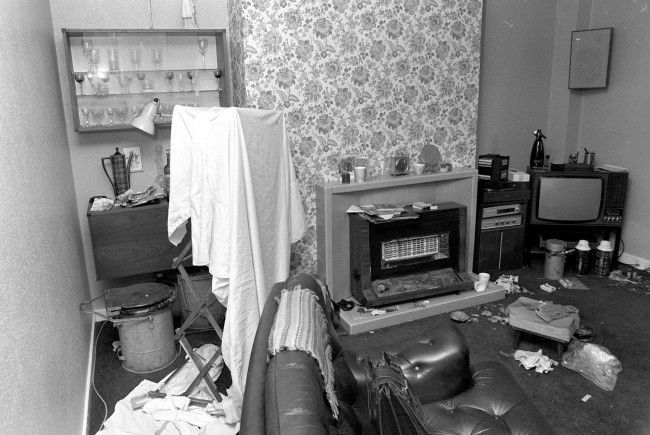 The room that became a prison in the Balcombe Street Siege. The Balcombe Street gang where 4 highly-trained IRA men who held a middle-aged couple hostage in their central London home when they were cornered by police. PA/PA Archive/Press Association Images