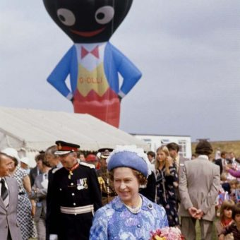 1977: Her Majesty The Queen Meets A Huge Inflatable Golliwog