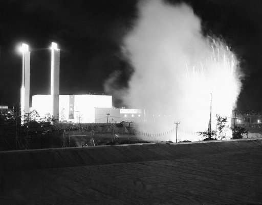 One of displays of fire work which dazzled 600,000 persons, one of the largest ones ever gathered in this city on May 8, 1938, site of the New York World's Fair, 1939. Display was part of the fair's preview.