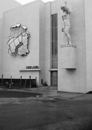 Finnish Pavilion on Court of Peace at World's Fair in Flushing, New York on Dec. 11, 1939. (AP Photo)