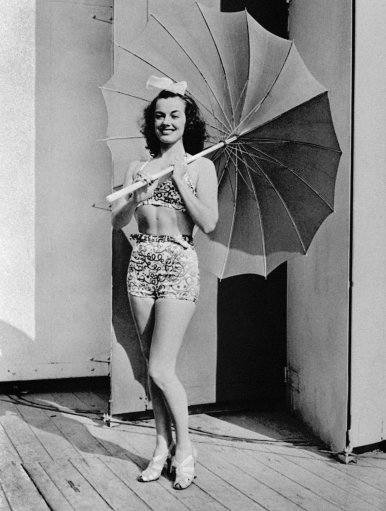 Swimming champion Eleanor Holm, star of Billy Rose's Aquacade, appears at the World's Fair of 1939 in New York City on November 4, 1939. (AP Photo)