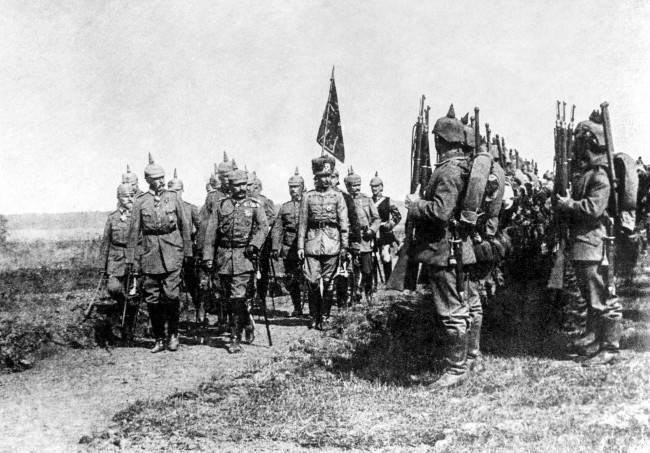 Kaiser Wilhelm II prepares to award Iron Crosses to infantry who distinguished themselves in battle.