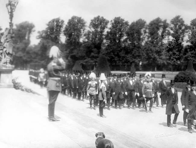 The Landstrum - The last reservists of the German Army are reviewed.