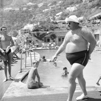 Flashback: Exiled Egyptian King Farouk Shows Off His Curves At Gracie Fields' Restaurant In Capri