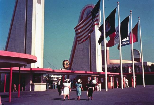 Color view of the 1939 World's Fair. Corona gate with Bulova clock, ca 1939.