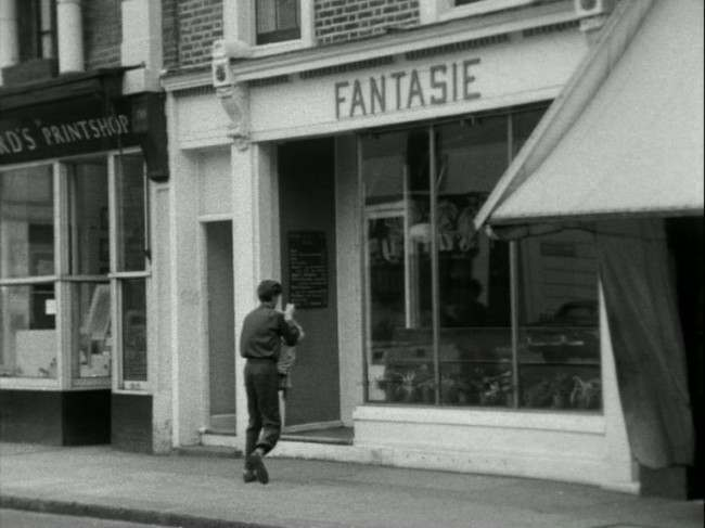 The Fantasie coffee bar in 1955/6. A screen grab of the Free Cinema film Food For a Blush (1959).