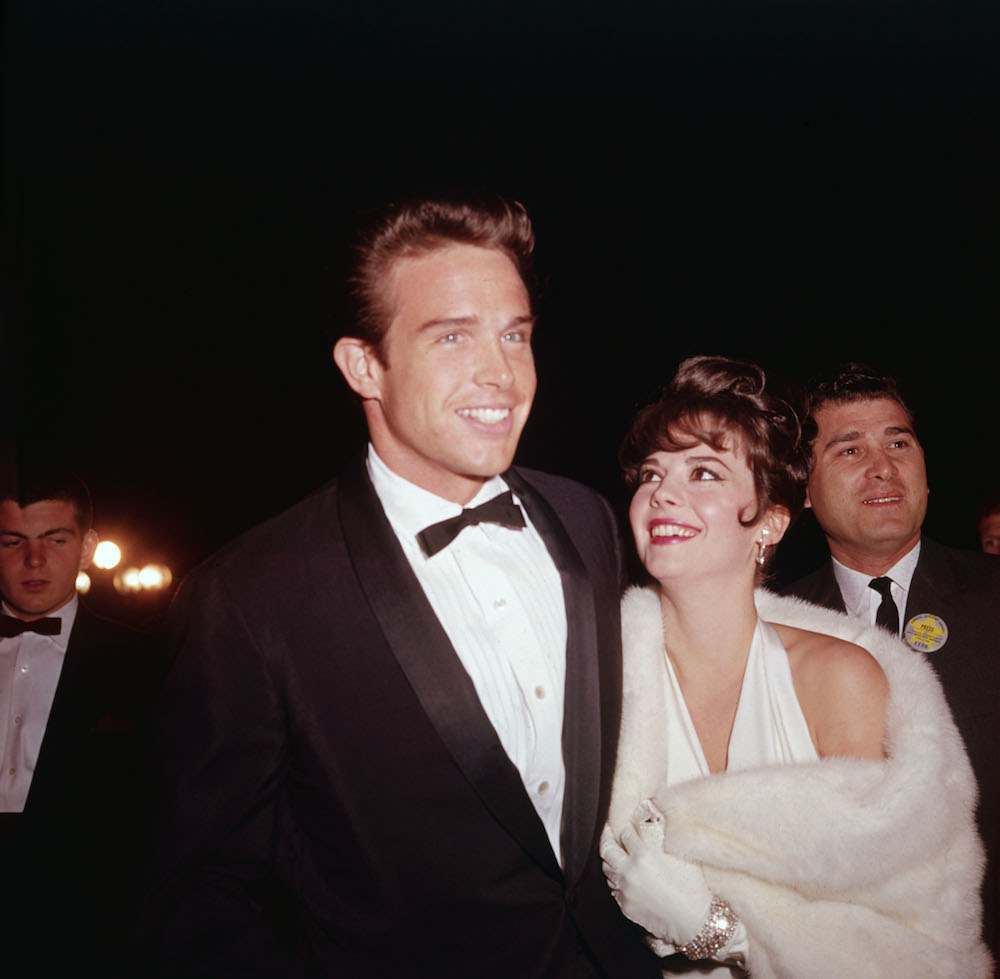 American actors Natalie Wood (1938 - 1981) and Warren Beatty attend the Academy Awards, Santa Monica, California, April 9, 1962. (Photo by Hulton Archive/Getty Images)