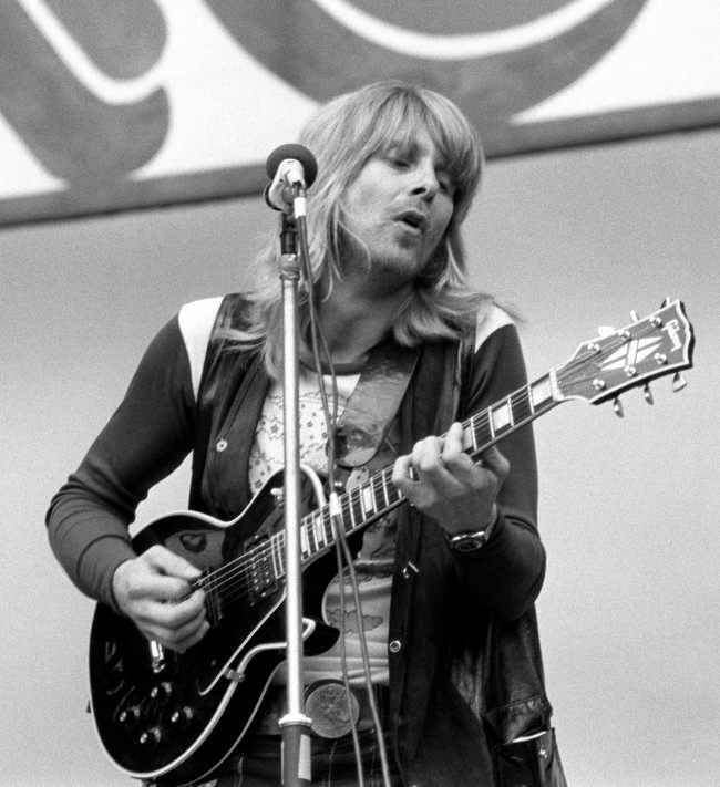 Joe Brown sings at the Rock'n'Roll Show, Wembley. Date: 05/08/1972