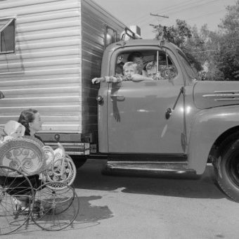 Flashback To 1952: Robert Mitchum's Homemade Luxury Motor Home