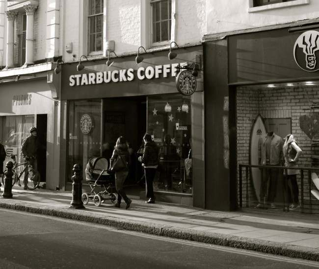 The first UK Starbucks was opened on the King's Road and in the same premises as the Fantasie.
