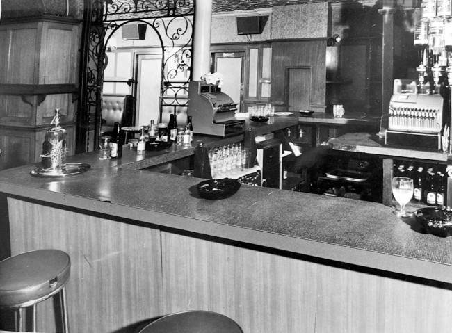 View of counter area looking through into lounge inside the Blind Beggar public house in Whitechapel where George Cornell was killed. Kirsty Wigglesworth/PA Archive/Press Association Images