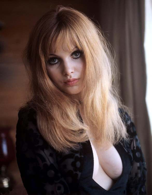 Madeleine Smith THE VAMPIRE LOVERS (1970)