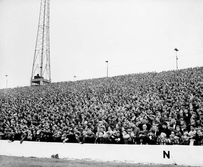 Soccer - League Division One - Chelsea v Tottenham Hotspur - Stamford Bridge A section of the Chelsea crowd Tottenham won 3-0 Ref #: PA.11069145  Date: 21/09/1963