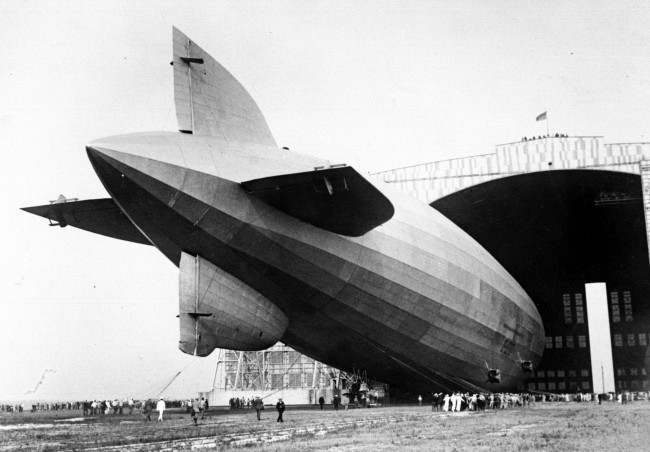 GRAF ZEPPELIN ANCHORS AT LAKEHURST AFTER HISTORY MAKING FLIGHT AROUND THE WORLD Picture date: 1st Sept 1929.