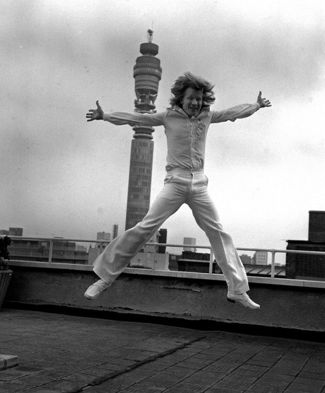 Canadian born Disc Jocky David 'Kid' Jensen to join the BBC. Kid (christened David Allan Jensen) will play a mojor role n the new look Saturday programming which begins on Radio 1. Date: 09/08/1976