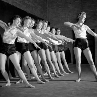 The Women's League of Health And Beauty: Nazis, Pilates And The Birth Of The Keep-Fit Movement