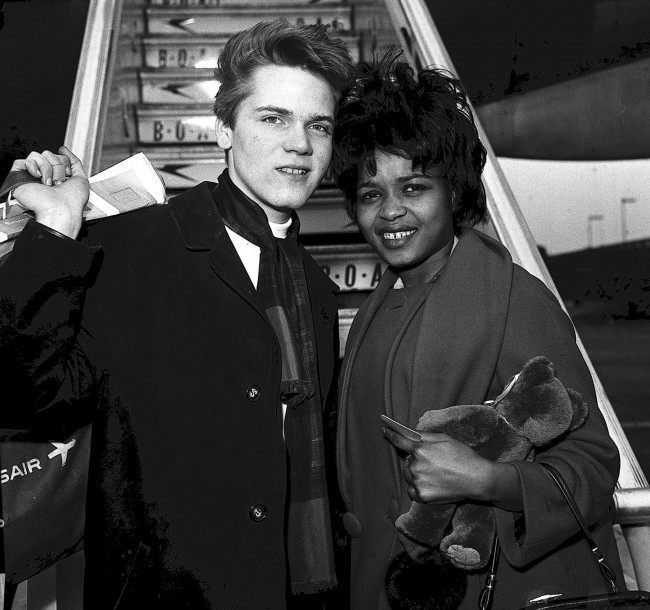 Library file dated 05/03/1963 of pop stars Little Eva and Brian Hyland, boarding a flight for New York. Little Eva, the singer who took The Loco-motion to the top of the charts in 1962