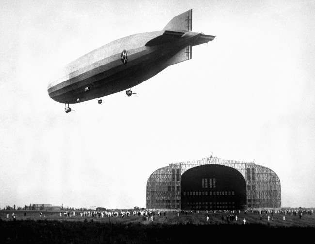 The USS Shenandoah,(ZR1) the world's largest airship after having just left the giant shed at Lakehurst, New Jersey, USA. Date: 17/01/1924