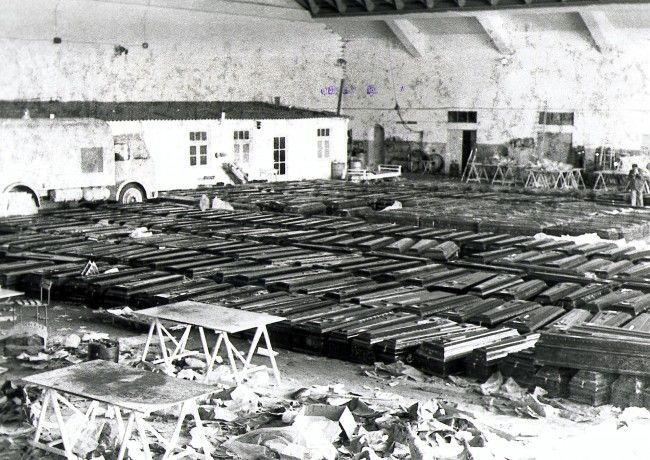 Jumbo Victims - Coffins containing victims of the world's worst air disaster stored in a Santa Cruz airport hanger March 30, 1977, awaiting return to families of the ill-fated KLM and Panam passengers. They died Sunday Mar. 27th., when two Jumbo jets collided on a fogbound runway at the airport with the loss of over 550 lives.