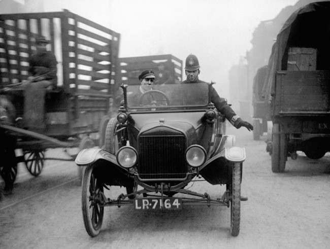 1920 police use model t ford to slow traffic in london flashbak. Black Bedroom Furniture Sets. Home Design Ideas
