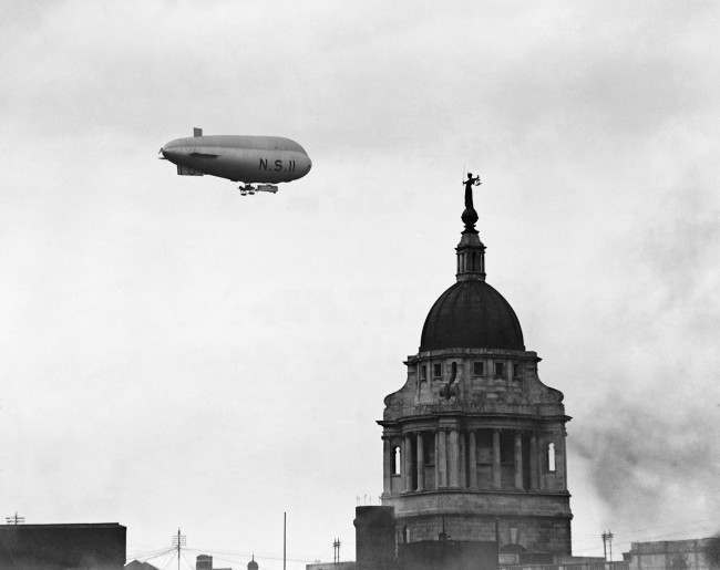 British airship NS11 flying over the Old Bailey in London. The airship crashed with the loss of all hands off the Norfolk coast on the 15th July 1919.