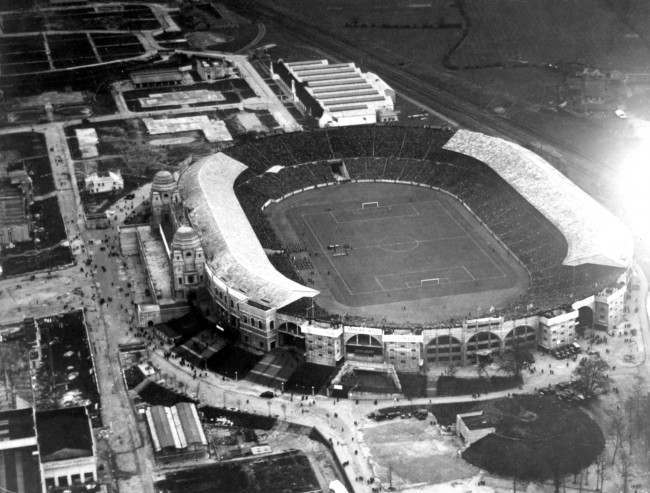 Soccer - Home International Championship - England v Scotland Aerial view of Wembley Stadium as the two teams line up for the presentations before the match Date: 31/03/1928