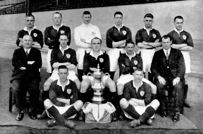 Arsenal's FA Cup winning side: (back row, l-r) Alf Baker, Jack Lambert, Charlie Preedy, Bill Seddon, Eddie Hapgood, Bob John; (middle row, l-r) David Jack, Tom Parker, Alex James; (front row, l-r) Joe Hulme, Cliff Bastin Date: 26/04/1930
