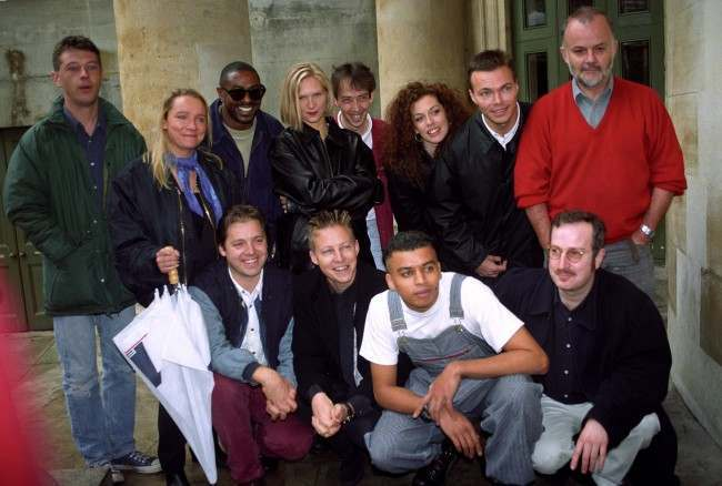 THE NEW LINE UP OF BBC RADIO 1 PRESENTERS WHICH WILL COME INTO EFFECT FROM OCTOBER 25, DURING A PHOTOCALL IN LONDON TODAY. (L/R BACK ROW, ANDY KERSHAW, LYNNE PARSONS, STEVE EDWARDS, JO WHILEY, STEVE LAMACQ, CLAIRE STURGESS, PETE TONG, JOHN PEEL, (L/R FRONT ROW, MARK GOODIER, SIMON MAYO TONDERAIR AND STEVE WRIGHT. Date: 27/09/1993