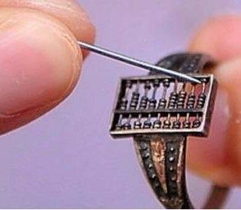 This 17th century Chinese Abacus Ring Is The World's Oldest Smart Ring