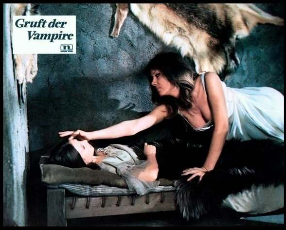 PETER CUSHING IN 'THE VAMPIRE LOVERS' HAMMER FILMS 1970 STARRING INGRID PITT PETER CUSHING GEORGE COLE KATE O'MARA FERDY MAYNE DOUGLAS WILMER MADELINE SMITH JON FINCH DAWN ADAMMS PIPA STELL Dir ROY WARD BAKER