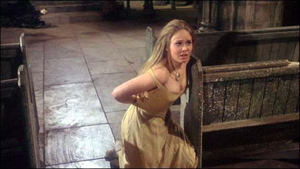 Linda Hayden - TASTE THE BLOOD OF DRACULA (1970)