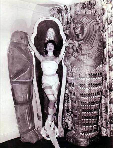 Yvonne Furneaux   THE MUMMY (1959)