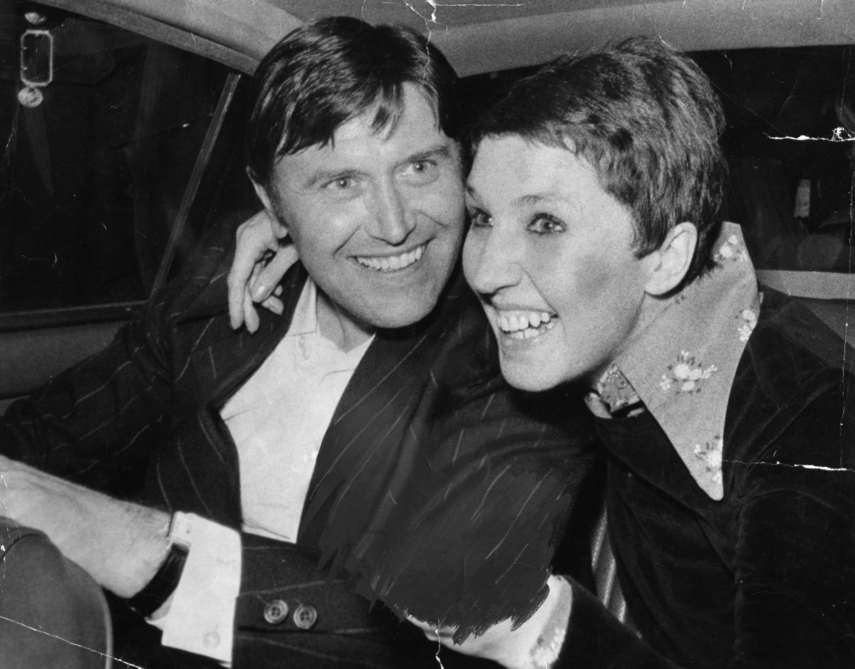 George Davis Is Pictured With His First Wife Rose (died 31/01/2009) In The Back Of A Car After Being Released From Prison Early.  12 May 1976