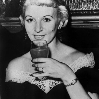 1955: Ruth Ellis Shoots Her Lover David Blakely Outside the Magdala Pub in Hampstead