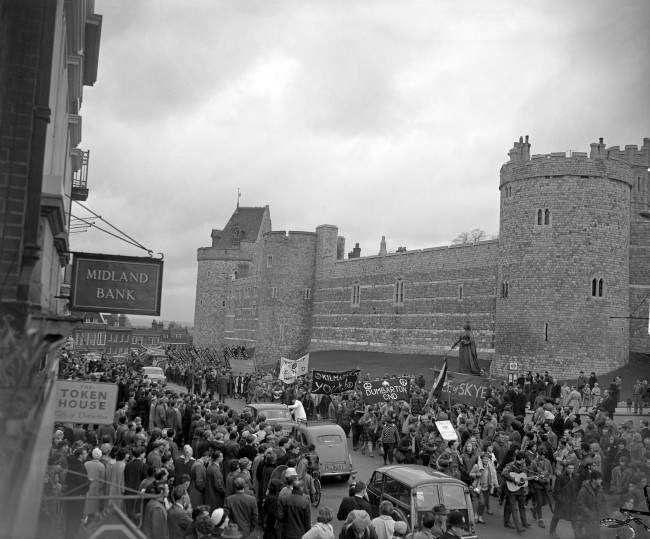 Some of the campaign marchers passing Windsor Castle. Ref #: PA.8520234 Date: 14/04/1963