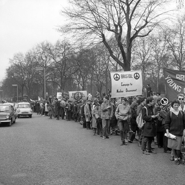A long column of ban the bomb marchers arrive at Hyde park, London. The march had started from the Atomic Weapons Research Establishment at Aldermaston. Ref #: PA.8520377  Date: 15/04/1963