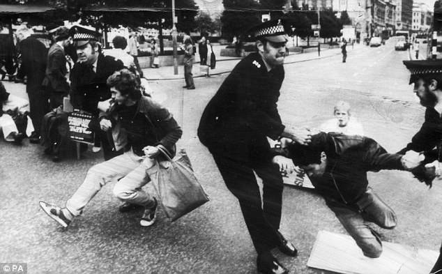 Police during a free George Davis campaign demonstration in Leeds in September 1975