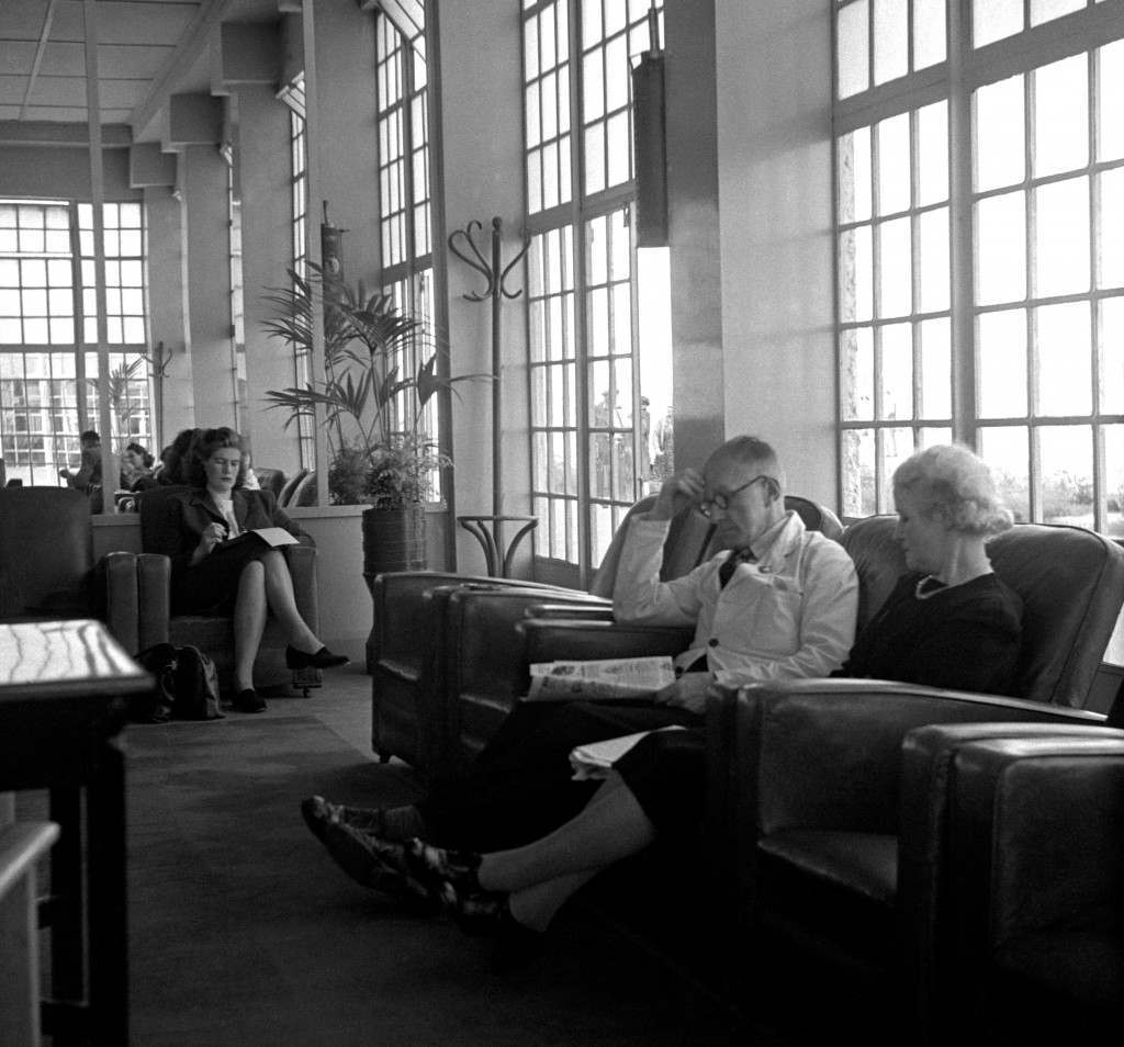 The Butlin's reading room at Skegness, 1947.