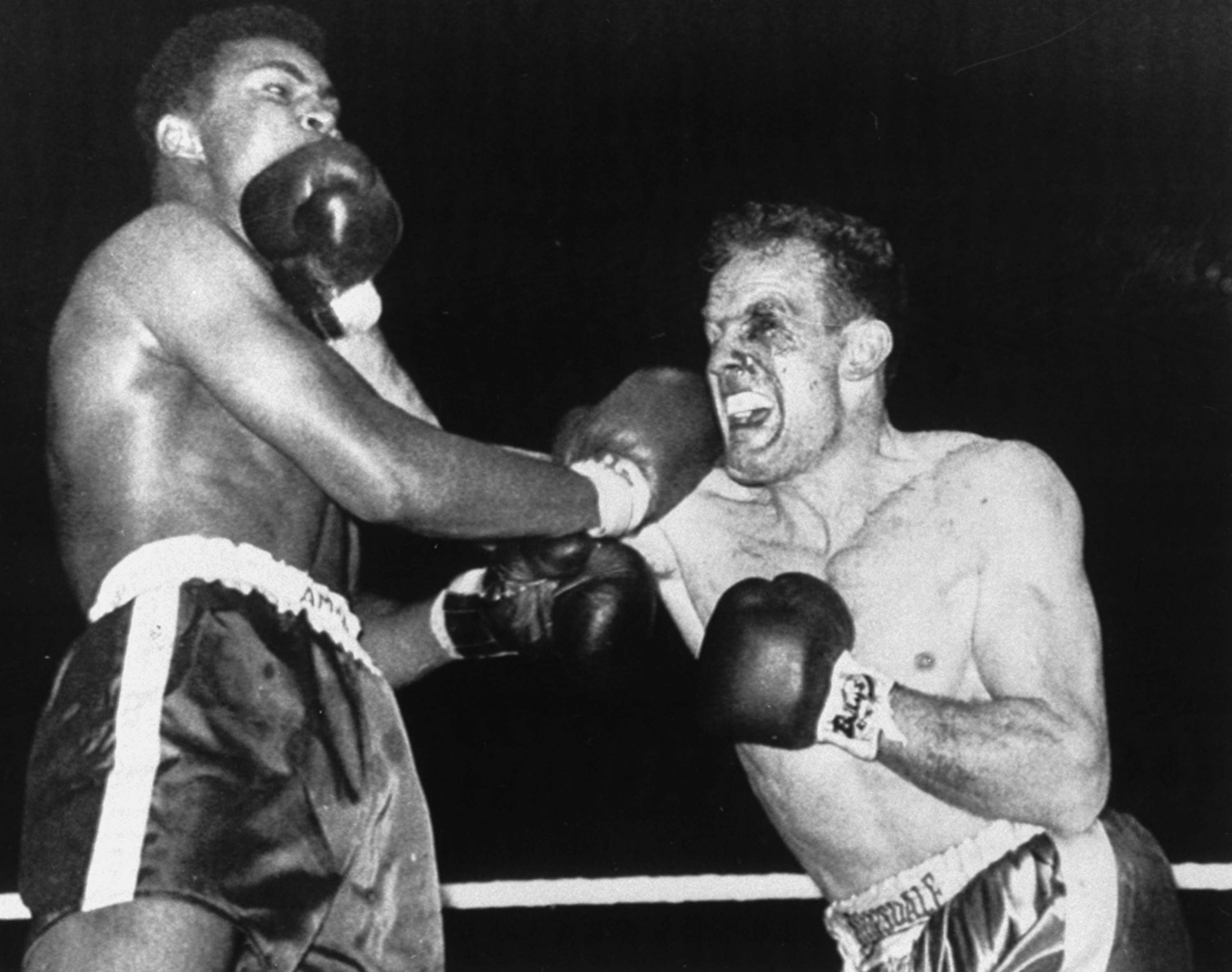 Boxing - Heavyweight - Cassius Clay v Henry Cooper