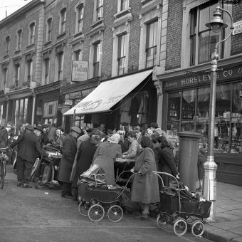 Photographs of Portobello Road in 1950